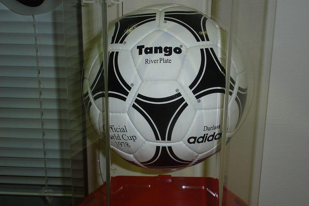 Adidas Tango River Plate